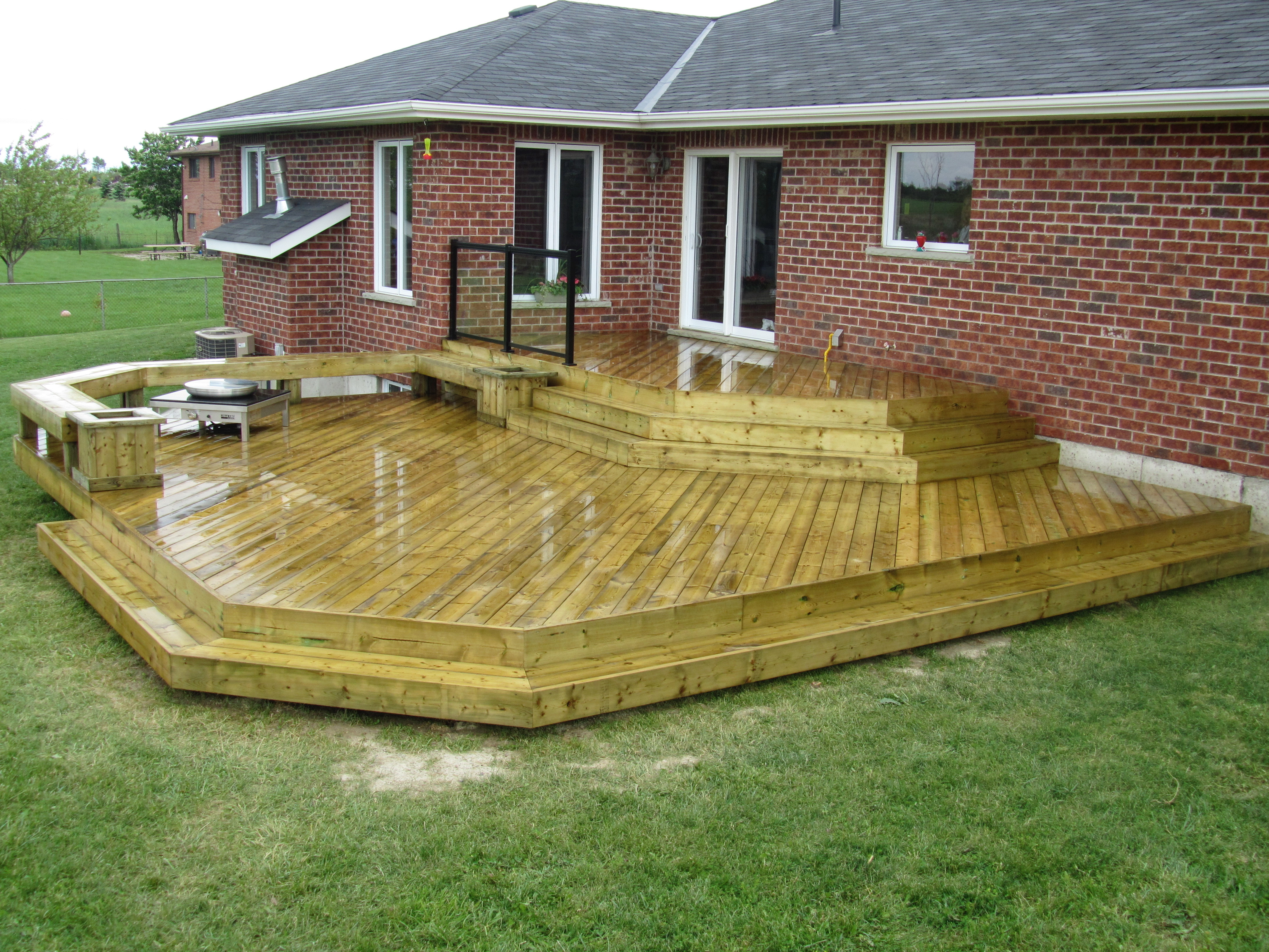 Low Mid Elevation Decks The Fence And Deck Guys
